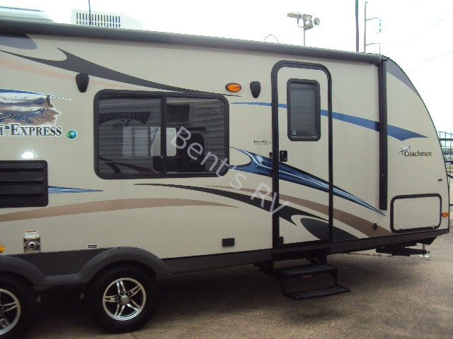 2013 COACHMEN FREEDOM EXPRESS 242RBS