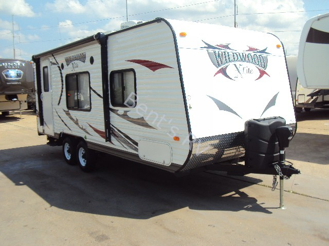 2014 FOREST RIVER WILDWOOD 221RB