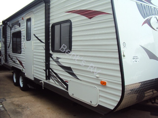 2014 FOREST RIVER WILDWOOD 261BH