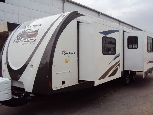 2013 FOREST RIVER FREEDOM EXPRESS 297RLDS