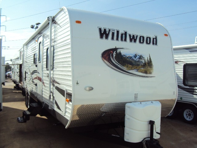 2013 FOREST RIVER WILDWOOD 32BHDS