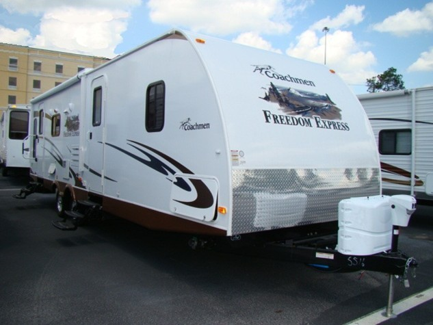 2013 COACHMEN FREEDOM EXPRESS 295RLDS