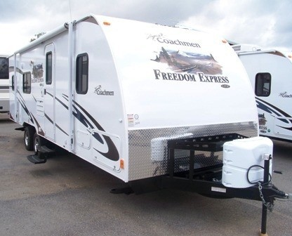 2013 COACHMEN FREEDOM EXPRESS 260BL