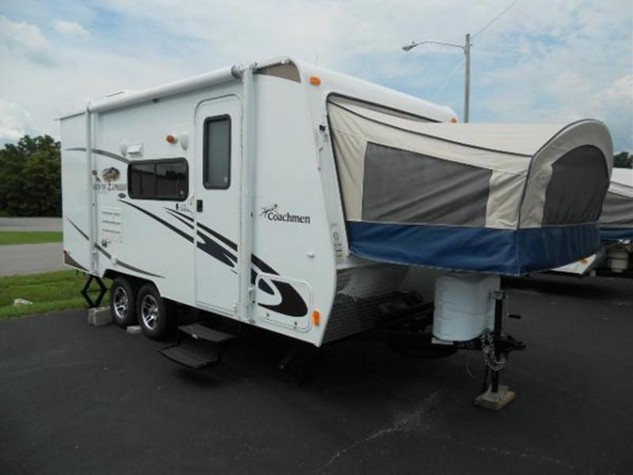 2013 COACHMEN FREEDOM EXPRESS 19SQX