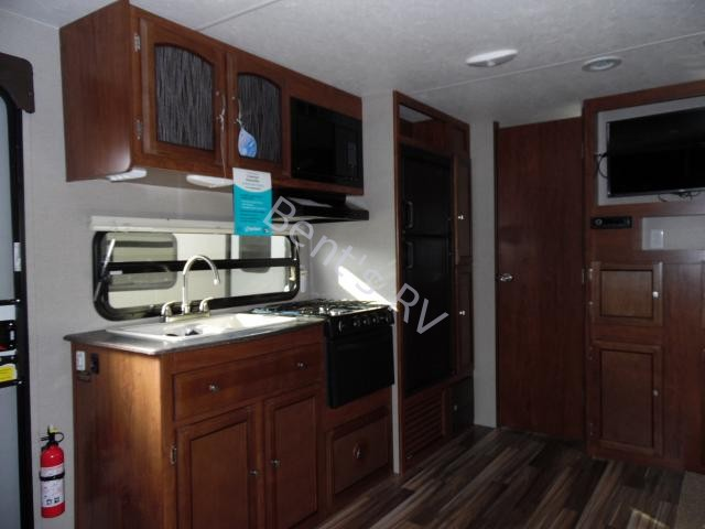 2017 COACHMEN FREEDOM EXPRESS 24SE