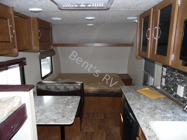 2017 FOREST RIVER WILDWOOD 197BH