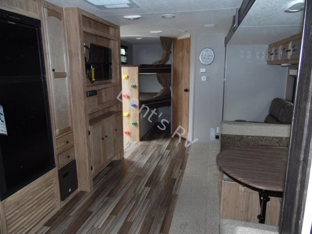 2018 COACHMEN FREEDOM EXPRESS 28.7SE