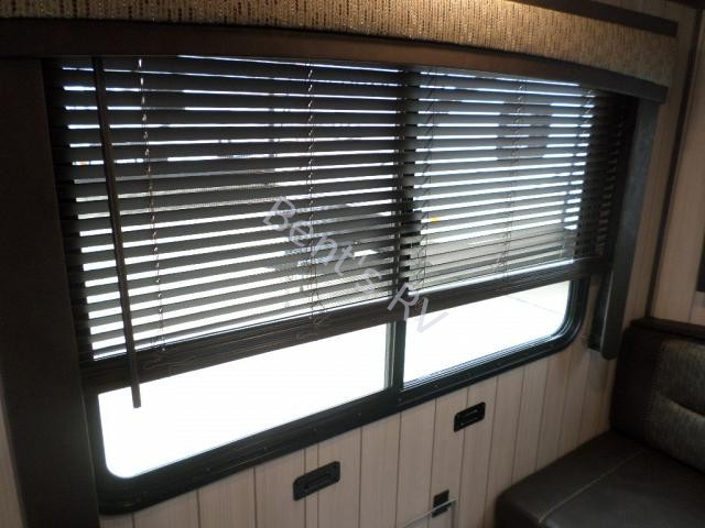 New  2018 32.9' Crossroads Sunset Trail 28bh Travel Trailer in Metairie,