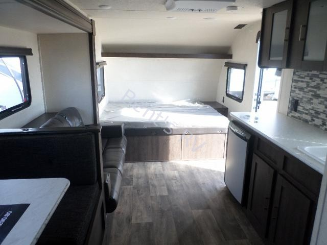 New  2018 22.7' Forest River Wildwood Xlite 190ss Travel Trailer in Metairie,