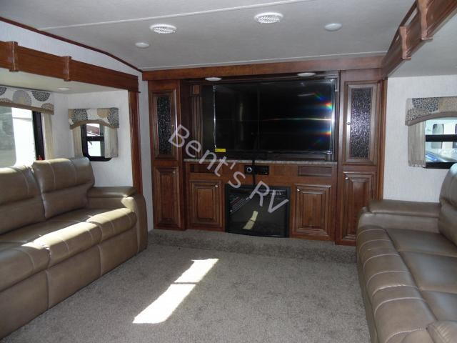 2018 HEARTLAND BIG HORN TRAVELER 39FL