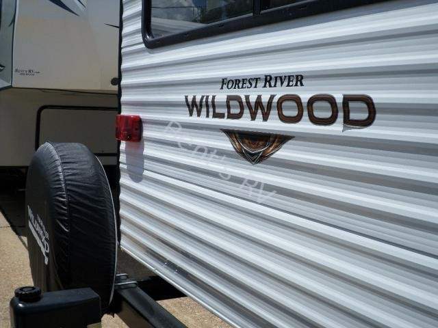 New  2019 33.6' Forest River Wildwood 27rei-63 Travel Trailer in Metairie,